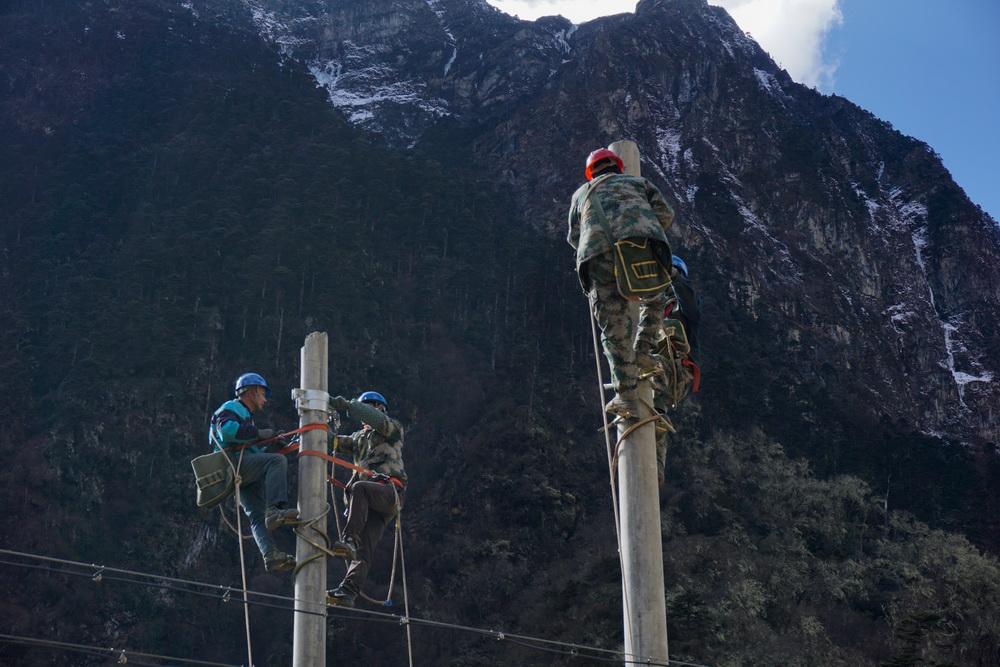只有9户人家的西藏玉麦乡电力线路全线贯通
