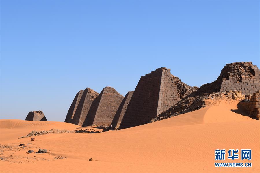 探访世界文化遗产——苏丹金字塔