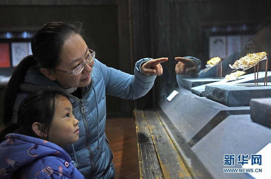 江西省博物馆推出明代王妃首饰展