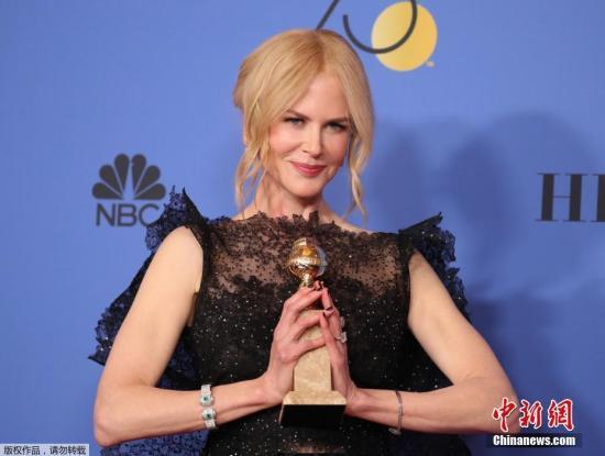 资料图:金球奖颁奖礼,妮可·基德曼凭借《大小谎言》夺得限定剧、电视电影最佳女演员。