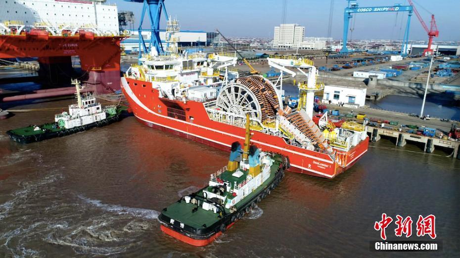 先进深海原油转驳船从江苏出海试航