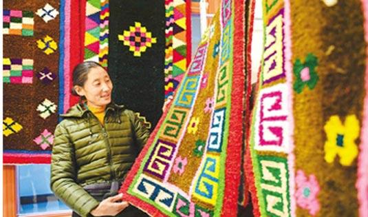 藏毯产业交易博览会举行