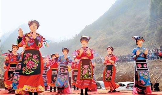 文化惠民演出进乡村