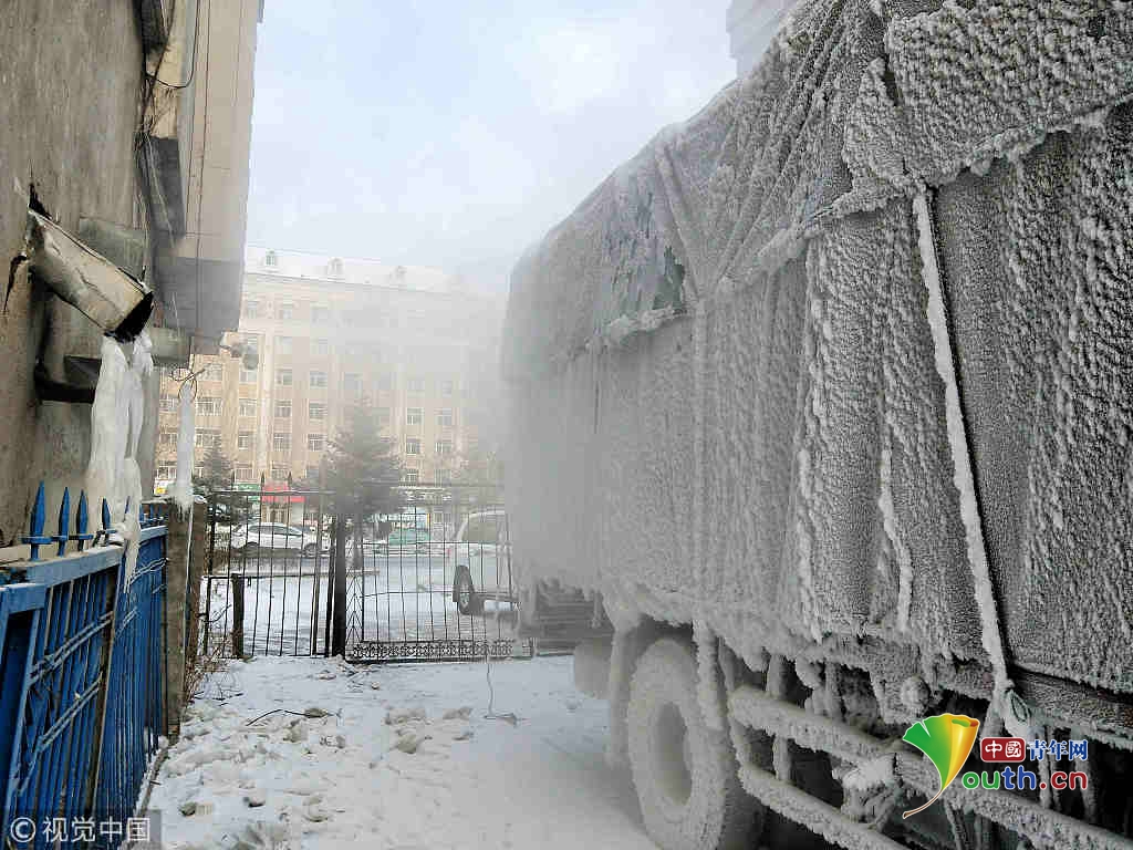 """黑河:南方货车赴-30℃高寒区送货变""""冰车"""""""