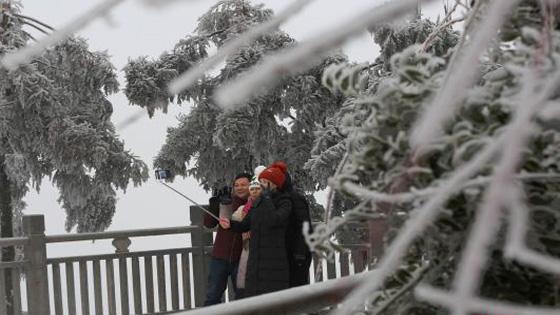 世界自然遗产地张家界武陵源冰雪迎客
