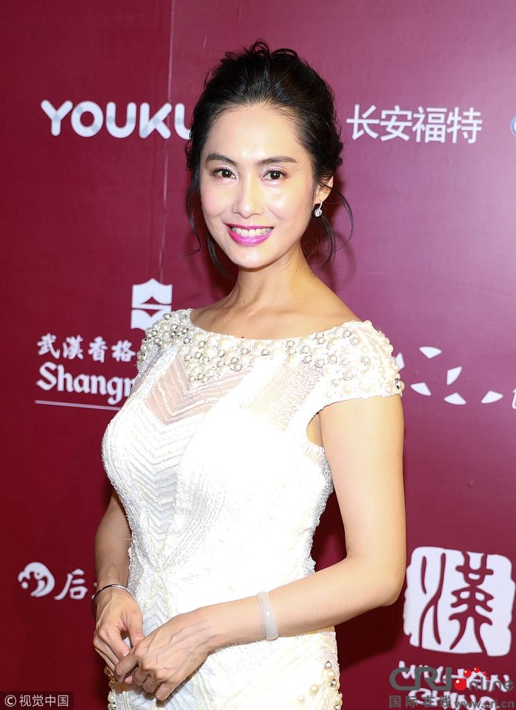 女星盛典斗艳:朱茵显年轻不输辛芷蕾李思思