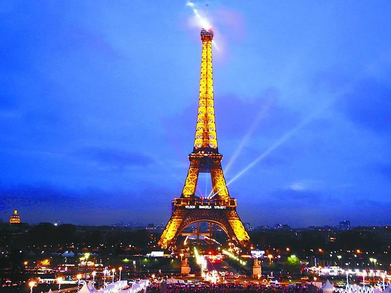法国经济指标向好 2017年增长率或可达2%