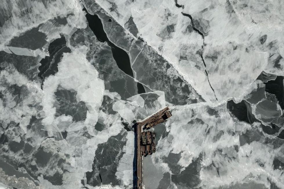 辽东湾近一半面积已结海冰