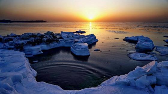 河北省秦皇岛市现靓丽海冰