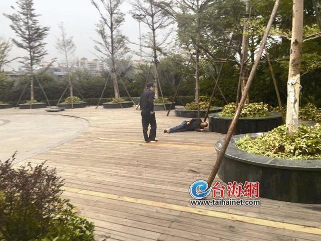 厦门游客拍美景 意外发现有人在轻生
