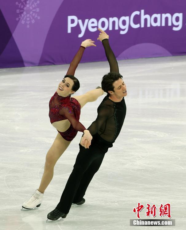 加拿大队在平昌冬奥会花样滑冰团体赛中夺得金牌
