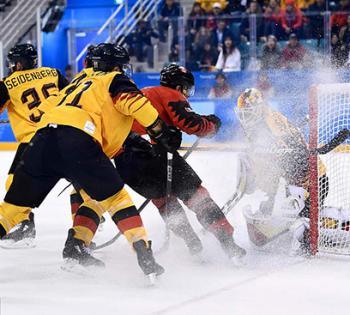 冬奥会男子冰球德国爆冷击败加拿大 首进决赛
