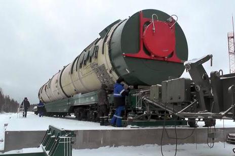 普京秀超级武器有效震慑美国