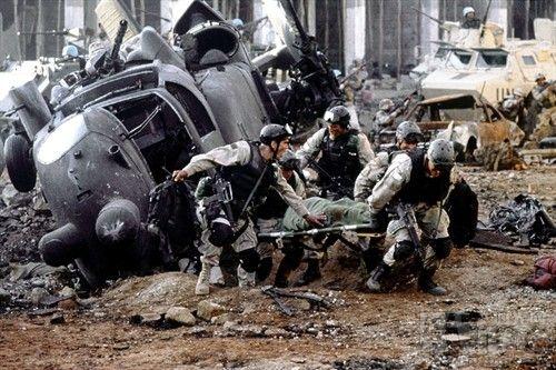美军直升机在伊坠毁多人死亡