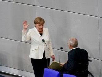默克尔正式获选连任德国总理 开启第四个任期