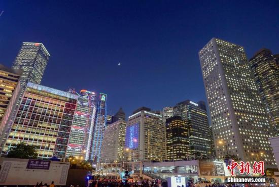 调查指香港千万富翁按年增15%至6.8万人