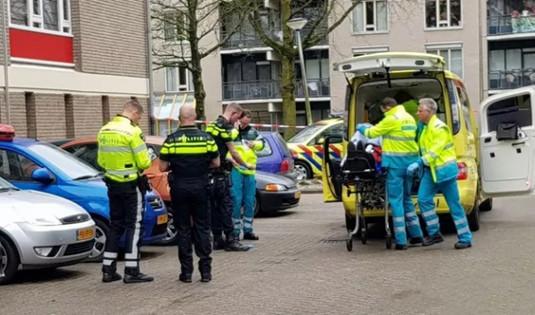 荷兰一名19岁男子坠楼身亡 警方介入