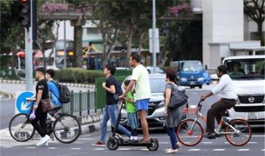 新加坡拟要求脚踏车骑士穿戴头盔