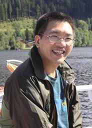 中国社会科学院美国研究所经济室主任,副研究员,经济学博士。1992-1999年和2002-2005年先后就读于中国人民大学和中国社会科学院研究生院。2007-2008年在美国西北大学做访问学者。研究领域为分工理论、美国经济、美国能源、中美经贸关系等。