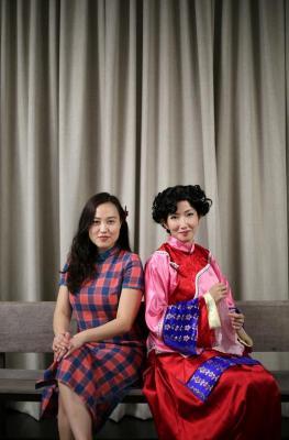 叶贞芳(左)和陈思敏(右)在新剧《四马路》中的扮相。