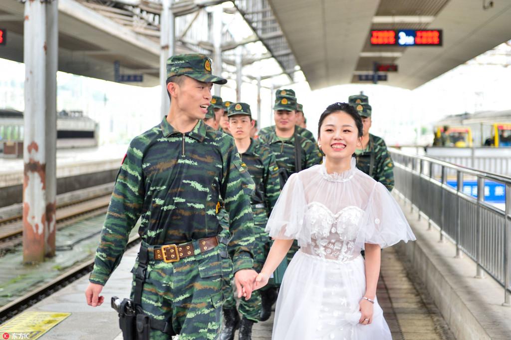 """""""等你凯旋时,我会穿着婚纱去迎接你"""""""