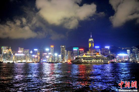 调查显示:超四成半香港市民赞成大型填海