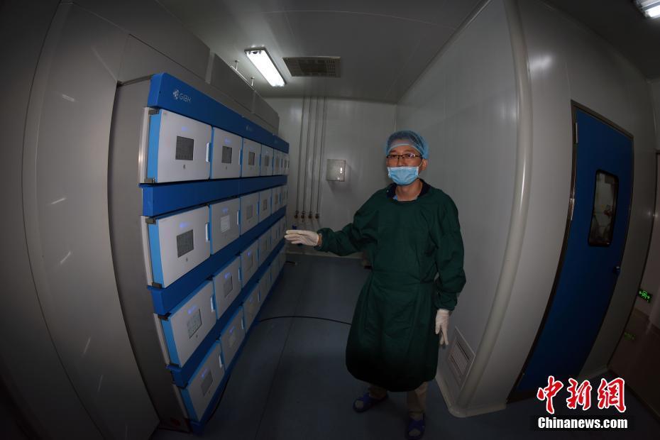 中科院研制成全球首台全自动干细胞诱导培养设备