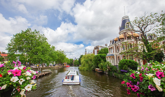 阿姆斯特丹拟采用新计划拟解决游客问题