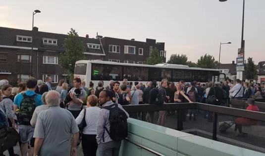 虚惊一场!荷兰布雷达火车站有人谎报炸弹