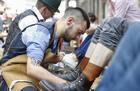 欧洲最好擦鞋匠争金鞋刷
