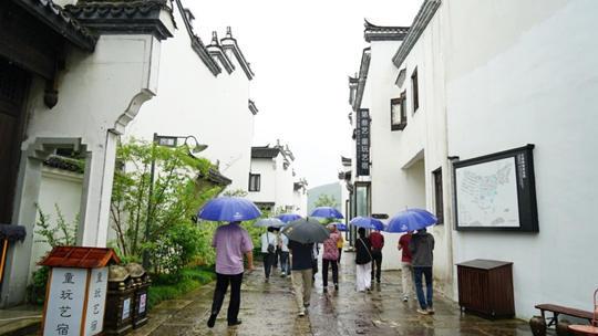 """走进杭州文渊狮城 听一场""""穿越""""1400年的雨"""