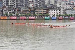 2018海峡两岸华安九龙江龙舟邀请赛激情上演