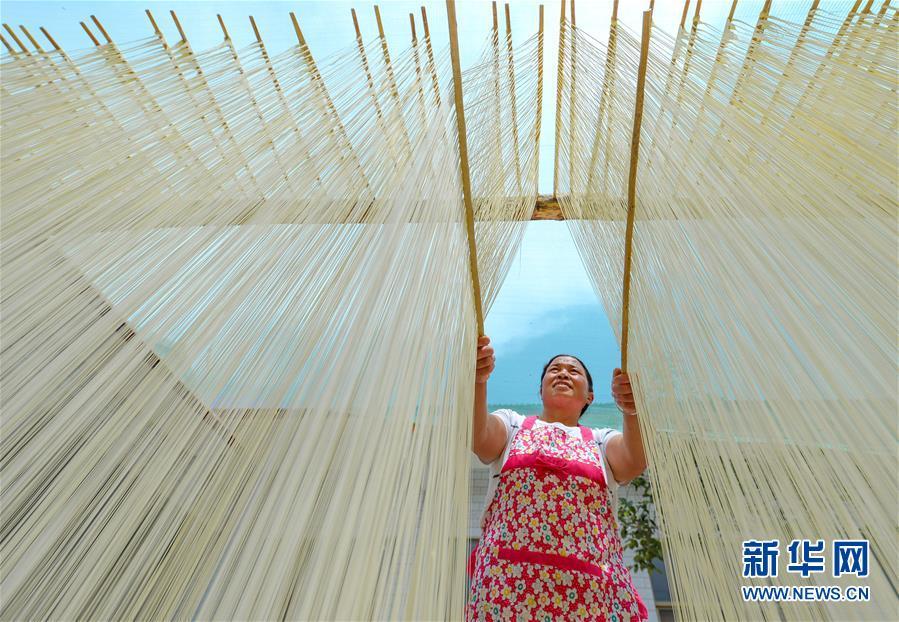河北鸡泽:手工挂面促农增收
