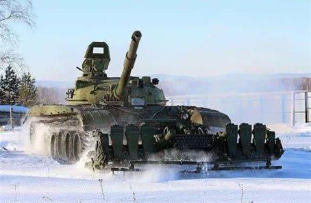 俄欲让扫雷车与坦克一起冲锋