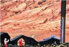 吐鲁番盆地持续高温超40度 火焰山地表温度近80度