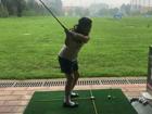 李湘晒女儿打高尔夫照