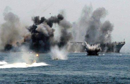 伊朗海军在波斯湾举行军演