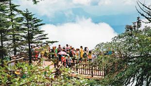 四川瓦屋山重新开放 每天限量游客3500人