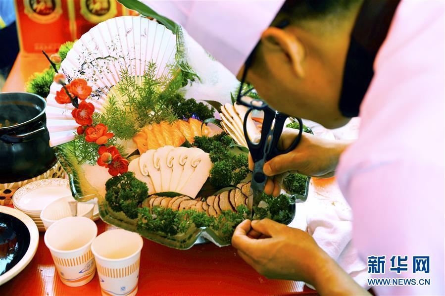云南南华:野生菌美食节 一场感官盛宴