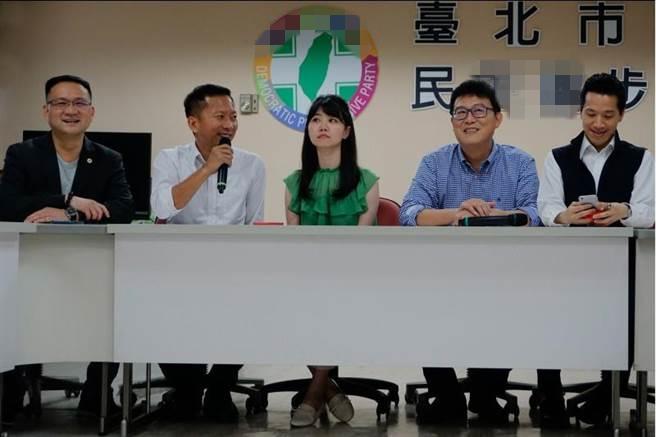 姚文智邀同党议员任副总干事 网友讽:火烧连环船