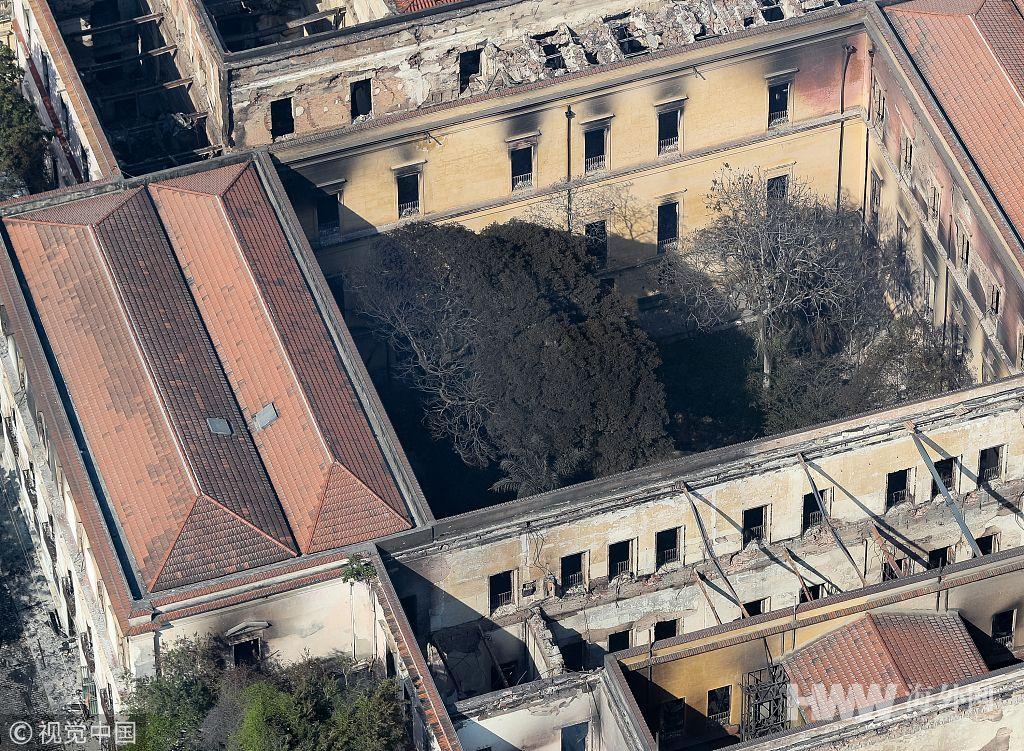 """航拍大火后的巴西国家博物馆 200年历史""""灰飞烟灭"""""""
