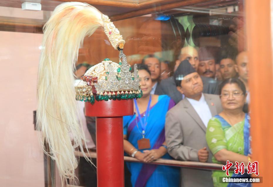 尼泊尔末代王朝国王王冠正式对外展出