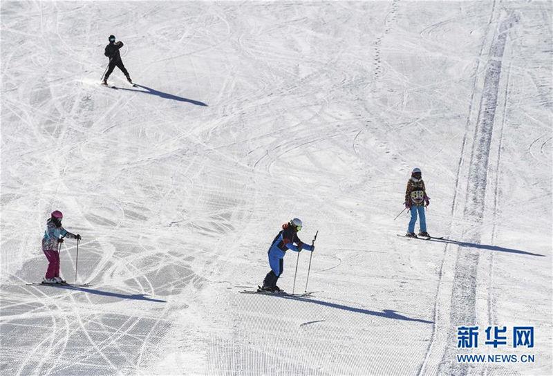乌鲁木齐:乐享寒冬雪趣