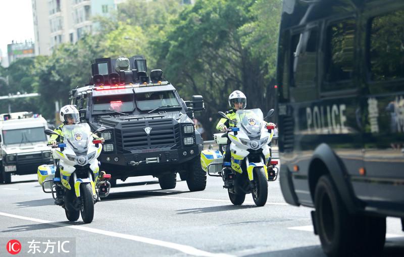 元旦将至 三亚启动军警武装巡逻