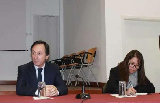 葡驻华大使与旅葡侨团合作交流座谈会召开1355.png