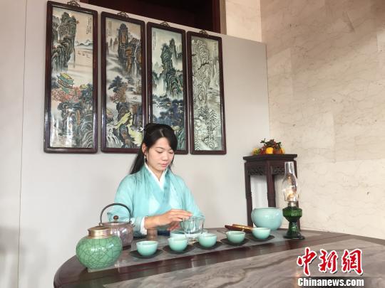 2018第十届超山梅花节开幕杭州将开启新一年赏梅季