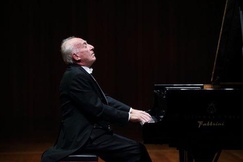 201210月17日波利尼钢琴图片(加上下半场挪动机位)-摄影王小京_副本2.jpg