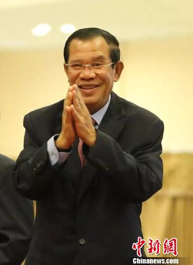 柬埔寨首相洪森向华人拜年