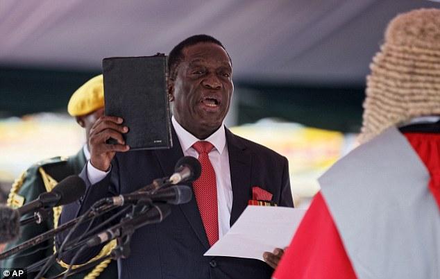 2017年11月24日,姆南加古瓦宣誓就任津巴布韦总统