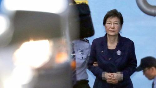 노무현·이명박·박근혜… 동시에 칼 겨눈 검찰